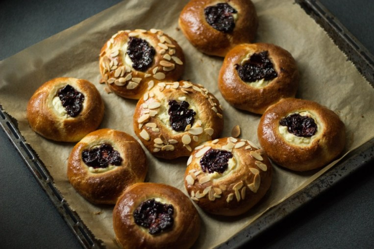 cardamom brioche buns with raspberry jam and cheese